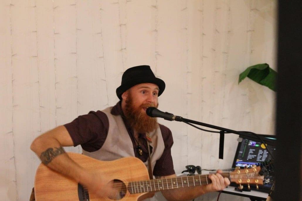 Live Acoustic Entertainment Brisbane - DJ, Loop Station Music