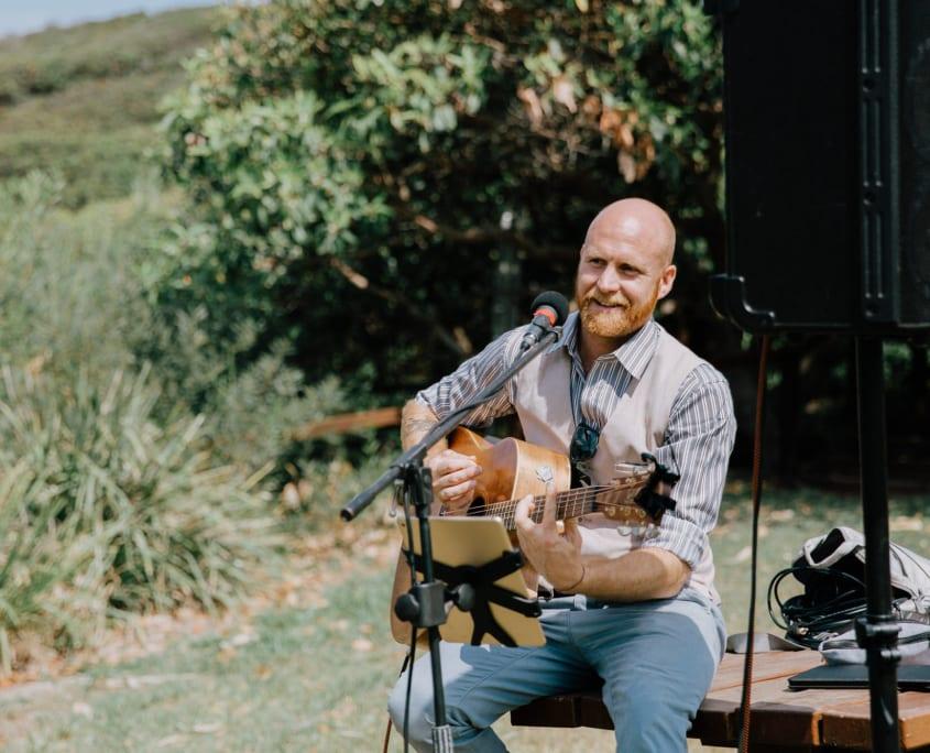 Wedding Singer Brisbane - Acoustic Wedding Singer