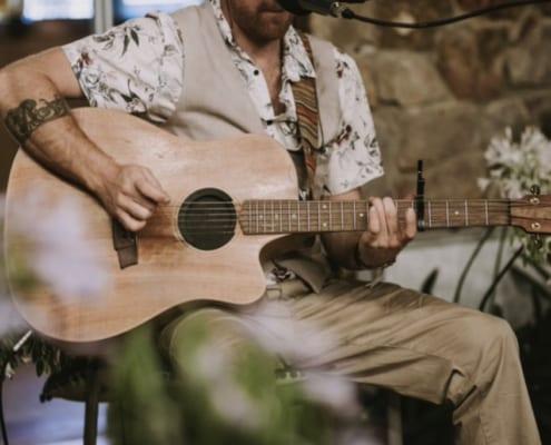 Live Acoustic Entertainment Prices - Mr Entertainment