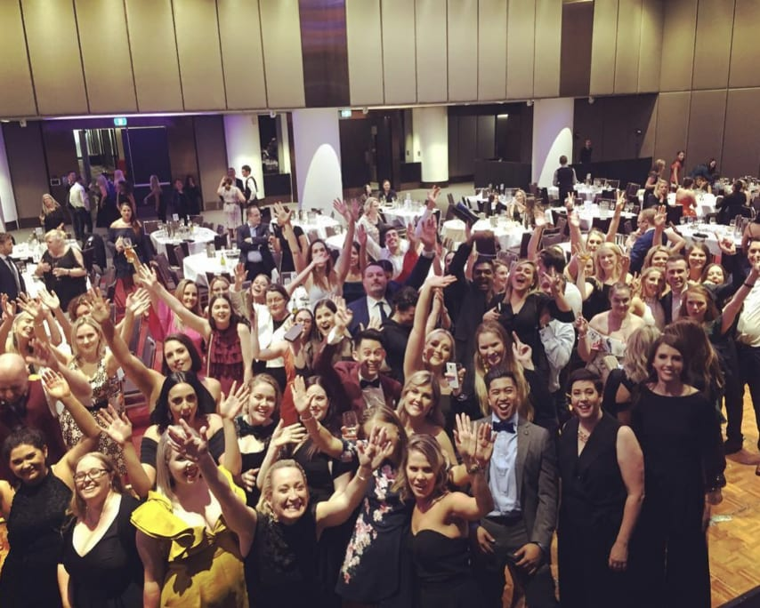 Music Entertainer Brisbane - Popular Wedding Singer