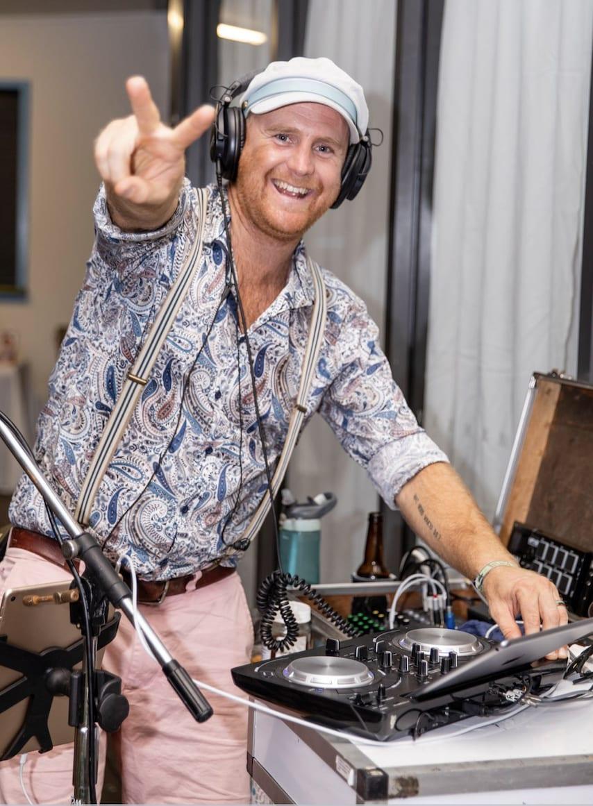 Wedding DJ Brisbane - Mr Entertainment